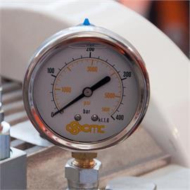 Manometer / Pressure gauge 400 bar