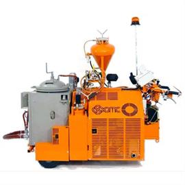 Thermoplastic road machines with hydraulic drive