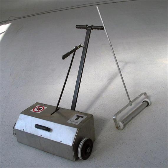 TSR-80 - balai magnétique