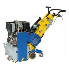 VA 30 SH su dyzeliniu varikliu Hatz ir hidrauline priekine pavara