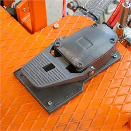 Voetpedaal voor het activeren van automatische pistolen