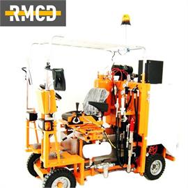 CMC AR 180 - vägmarkeringsmaskin med olika konfigurationsmöjligheter